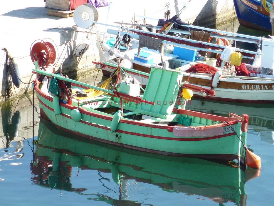 bateau de peche 9 lettres